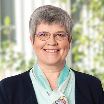 01 Brigitte Van den Abeele Du trieu présidente PHA